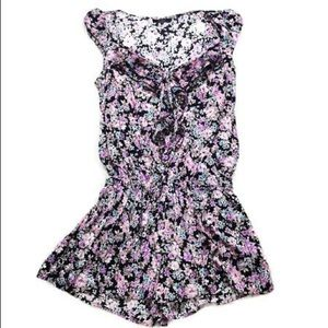 GUESS FLORAL RUFFLED BUTTON ROMPER
